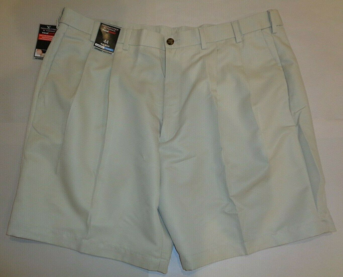 813c7ab029 Roundtree & Yorke Size 44 CLASSIC FIT TRAVEL SMART Stone Pleated Shorts New  Mens