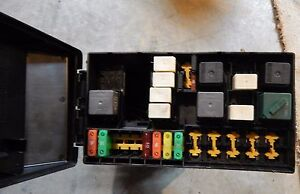 2003 ford focus under hood exterior fuse relay box 9ag 14a142 ac 2004 ford focus fuse box diagram image is loading 2003 ford focus under hood exterior fuse relay