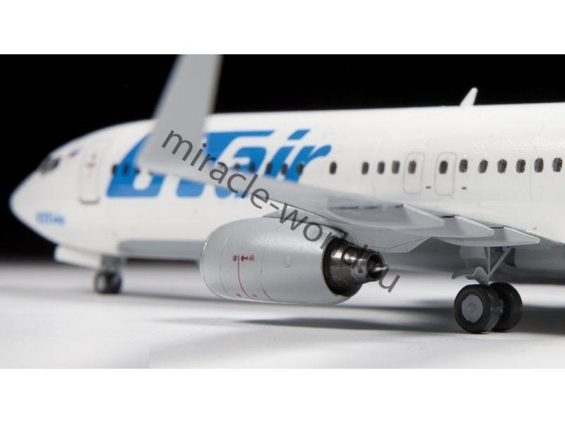 Zvezda 7019 Civil Airliner Boeing 737-800 Plastic kit  1:144
