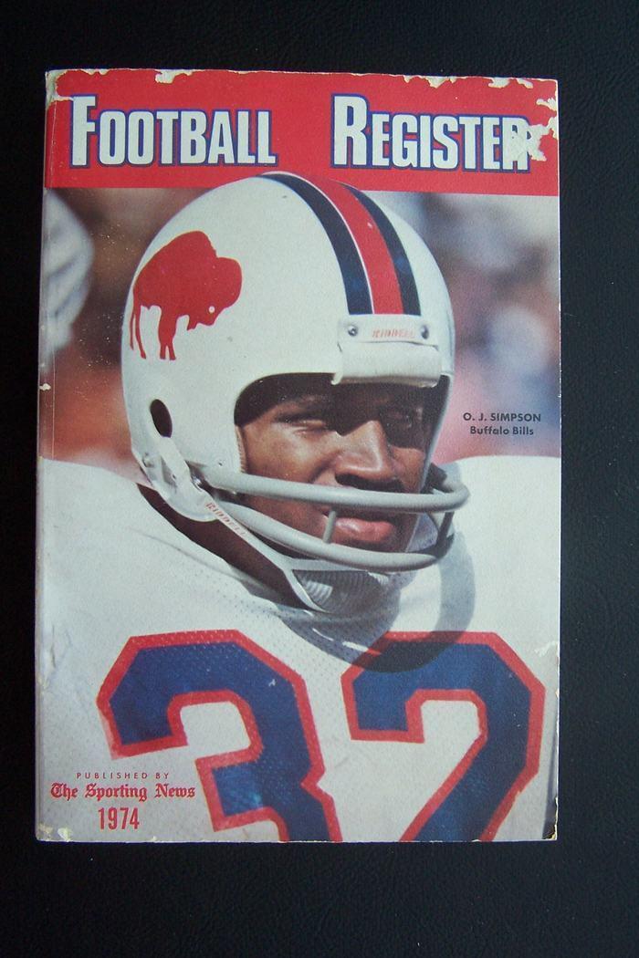 Football Register 1974 - OJ Simpson Cover 9780892040926