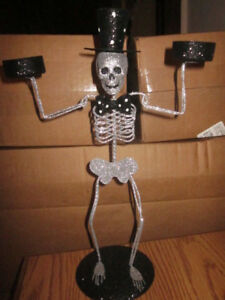 Pier-1-Halloween-Glitter-Skeleton-Metal-Figure-Dbl-Tea-Light-Tealight-Holder-LG
