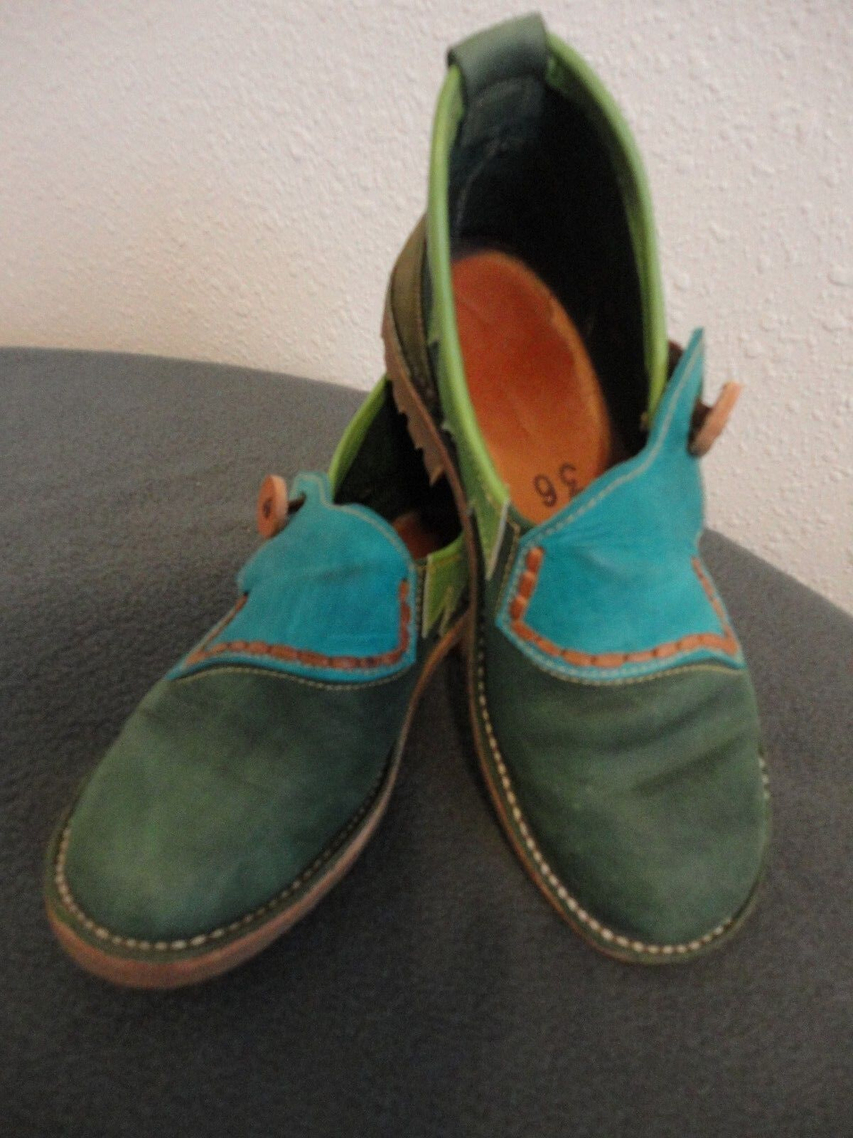 VINTAGE ANDINO HANDMADE SUEDE COLORFUL SHOES UNISEX  SIZE US 6 EURO 36