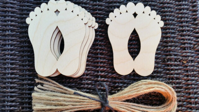5x Wooden Feet Baby Decoration Gift Wedding Hanging Unpainted Shape Tag H:9 x 7.