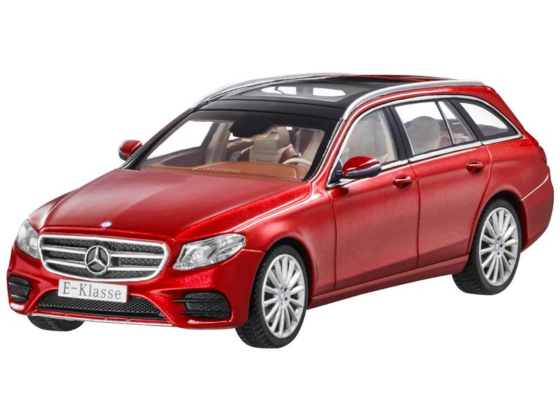 Mercedes Benz E-Klasse, T-Modell, AMG Line,designo hyazinthrot metallic, iScale,  | Düsseldorf Eröffnung