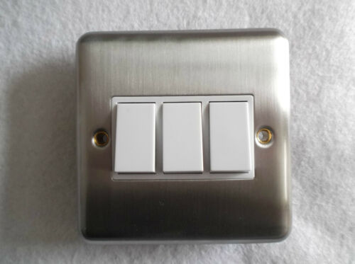 3 gang 2 way ou 1 interrupteur en finition chromée satinée standard tripple interrupteur