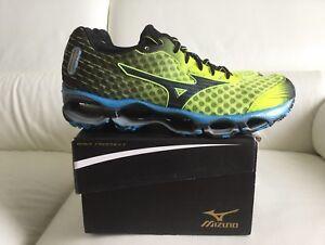 Men-039-s-MIZUNO-Wave-Prophecy-4-New-Size-9