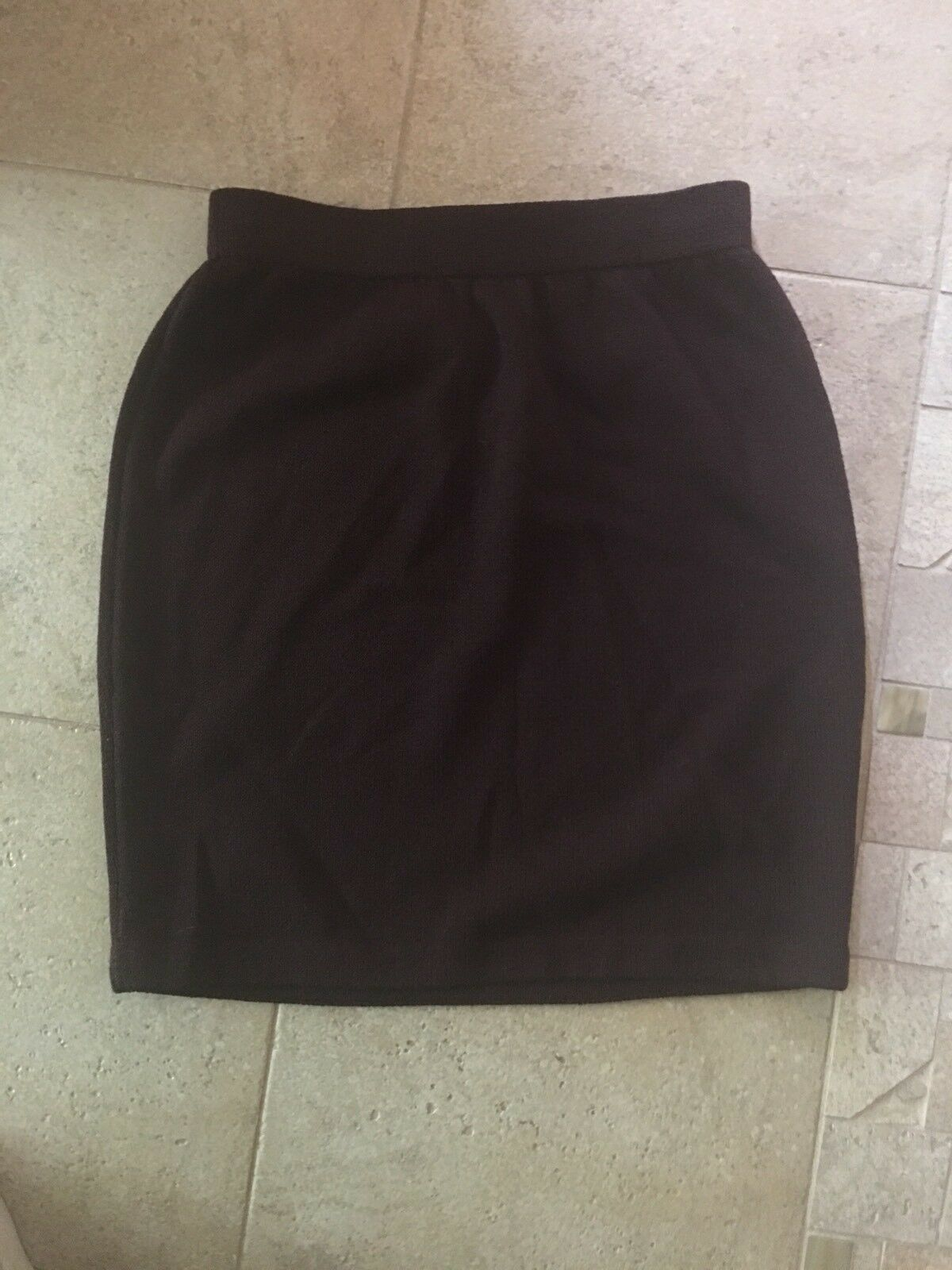 St. John Vintage Skirt Size 2 Knit Pencil Mini ISkirt Burgundy Wine color
