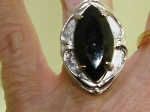 LOVELY LARGE VINTAGE 1960-70'S WHITING & DAVIS SILVER & ONYX RING!