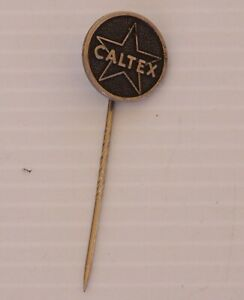 VINTAGE-CALTEX-OIL-SERVICE-STATION-SOUVENIR-METAL-BADGE-BROOCH-LAPEL-HAT-TIE-PIN