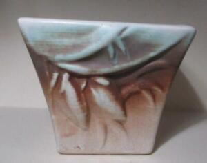 Vintage-McCoy-Pottery-Foliate-Design-Planter