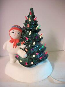 Vtg Lighted Green Ceramic Christmas Tree W Snowman Snowlady 13 Tall