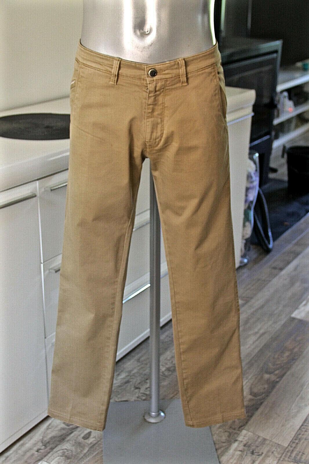 Joli pantalon jeans slim stretch camel HUGO BOSS finlay d size 44 fr (GR 50)