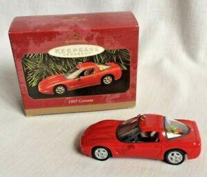 Hallmark-Red-Chevrolet-Corvette-Keepsake-Christmas-Ornament-Sports-Car-1997