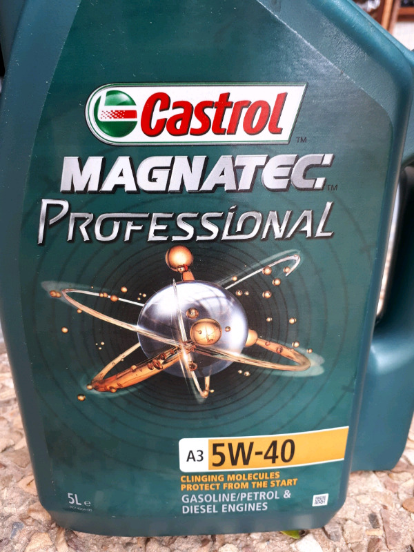 Castrol 5W-40 Engine Oil