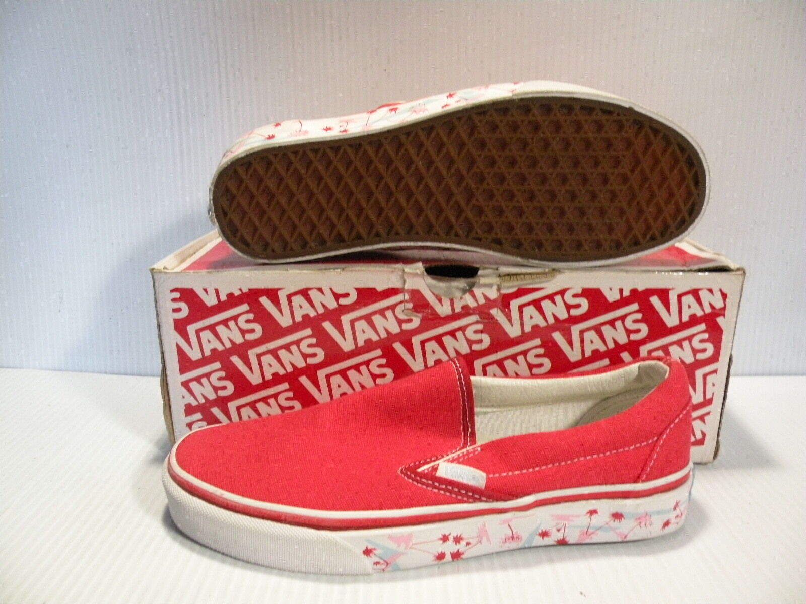 VANS CLASSIC SLIP- ON TANGO TREE SERIES MEN SHOES RED VN-OEYEAOP SIZE 10.5 NEW