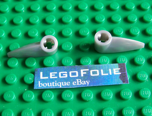 Pearl Light Gray 2 x Lego  x346 Bionicle 1 x 3 Tooth with Axle Hole