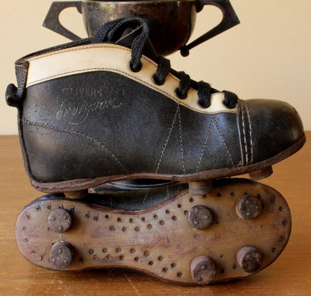 Vintage Olivers Spot-Kick Niños Fútbol botas Zapatos botines de fútbol. Old c1950