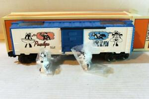 LIONEL-16738-WARNER-BROS-PEPE-LE-PEW-amp-PENELOPE-BOXCAR-0-027-NEW-W70