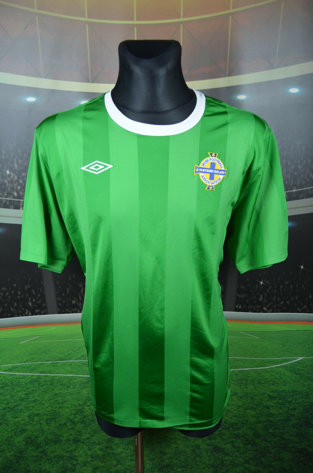 NORTHERN IRELAND UMBRO 2010-12 HOME FOOTBALL SHIRT (XXL) JERSEY TOP TRIKOT