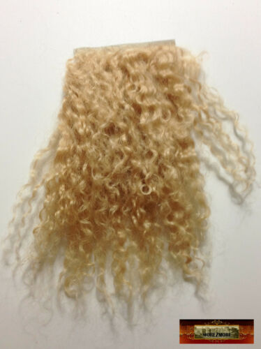 M01403 MOREZMORE Tibetan Lamb Fur Mini Sample 2x2 SAND DIRTY BLONDE Hair