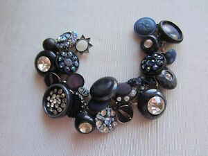 Details about Vintage NAVY BLUE BUTTONS & BEADS CHA-CHA Charm BRACELET  Toggle Clasp