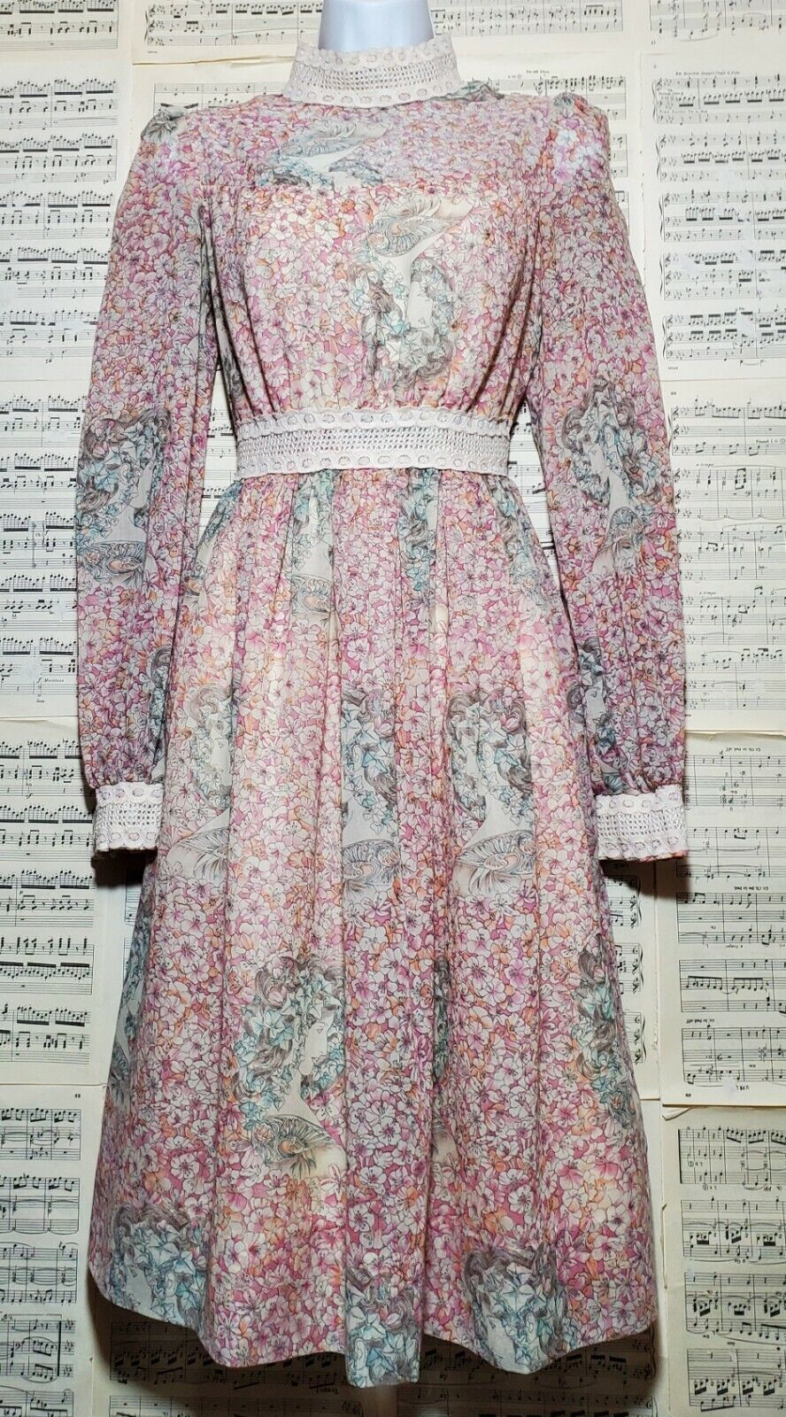 Vintage 1960s 1970s Unbranded Gunne Sax Style Wom… - image 1