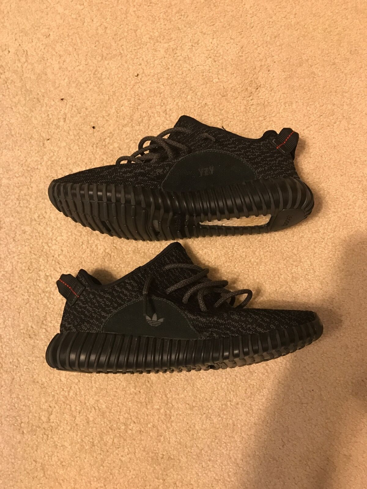 2015 Mens yeezy pirate black size 8.5 used in good condition with box