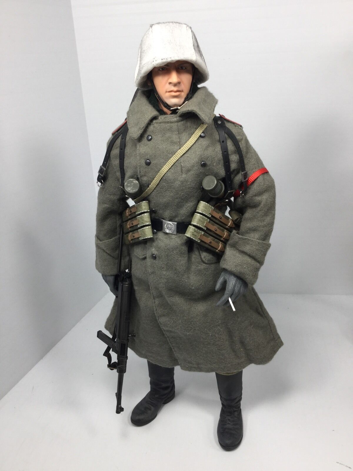 1/6 DRAGON GERMAN WEHRMACHT 6TH ARMY STALINGRAD MP-40 WINTER GEAR BBI DID WW2