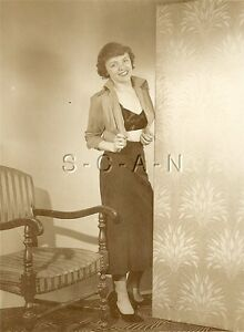 Org Vintage 1940s-50s Nude RP- Opens Shirt Up- Revels