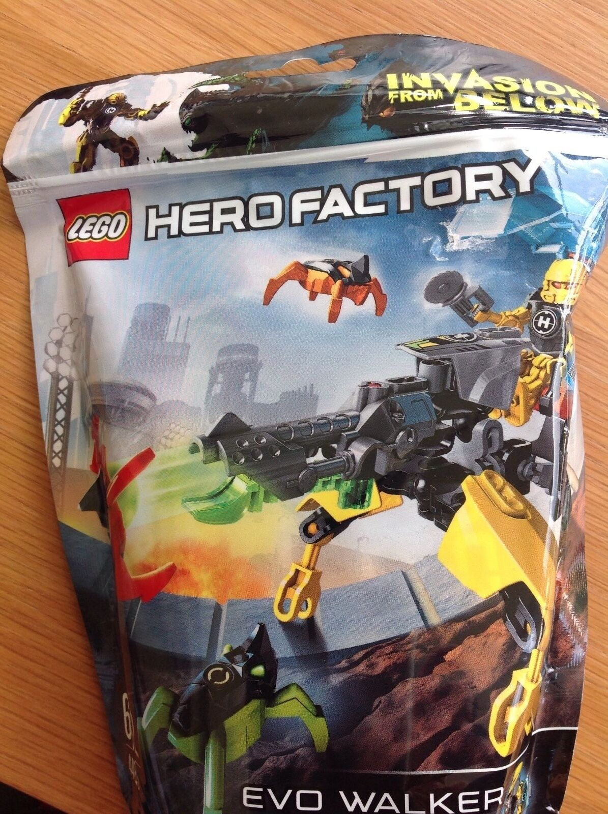 NEW LEGO 44015 Hero Factory Evo Walker Robot Invasion from Below