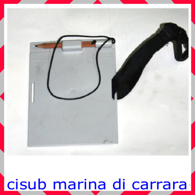 Lavagna SUBGEAR  con matita  cm 11x14 E CLIP per attaccare al jacket