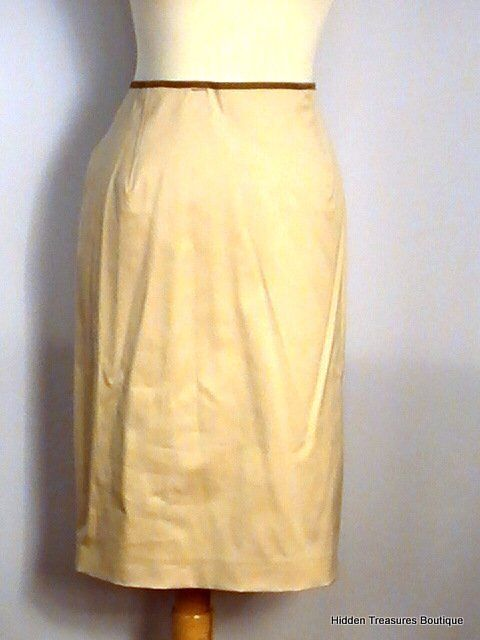 Reggiani Women's Soft Beige Lined Skirt Size 12 NWT Made in
