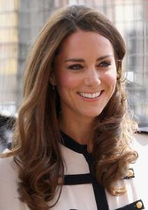K9694 Kate Middleton UNSIGNED photo Catherine Duchess of Cambridge