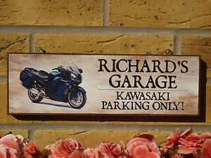 PERSONALISED-GARAGE-SIGN-MOTORBIKE-SIGN-KAWASAKI-GIFT-YAMAHA-SUZUKI-DUCATI-GIFT