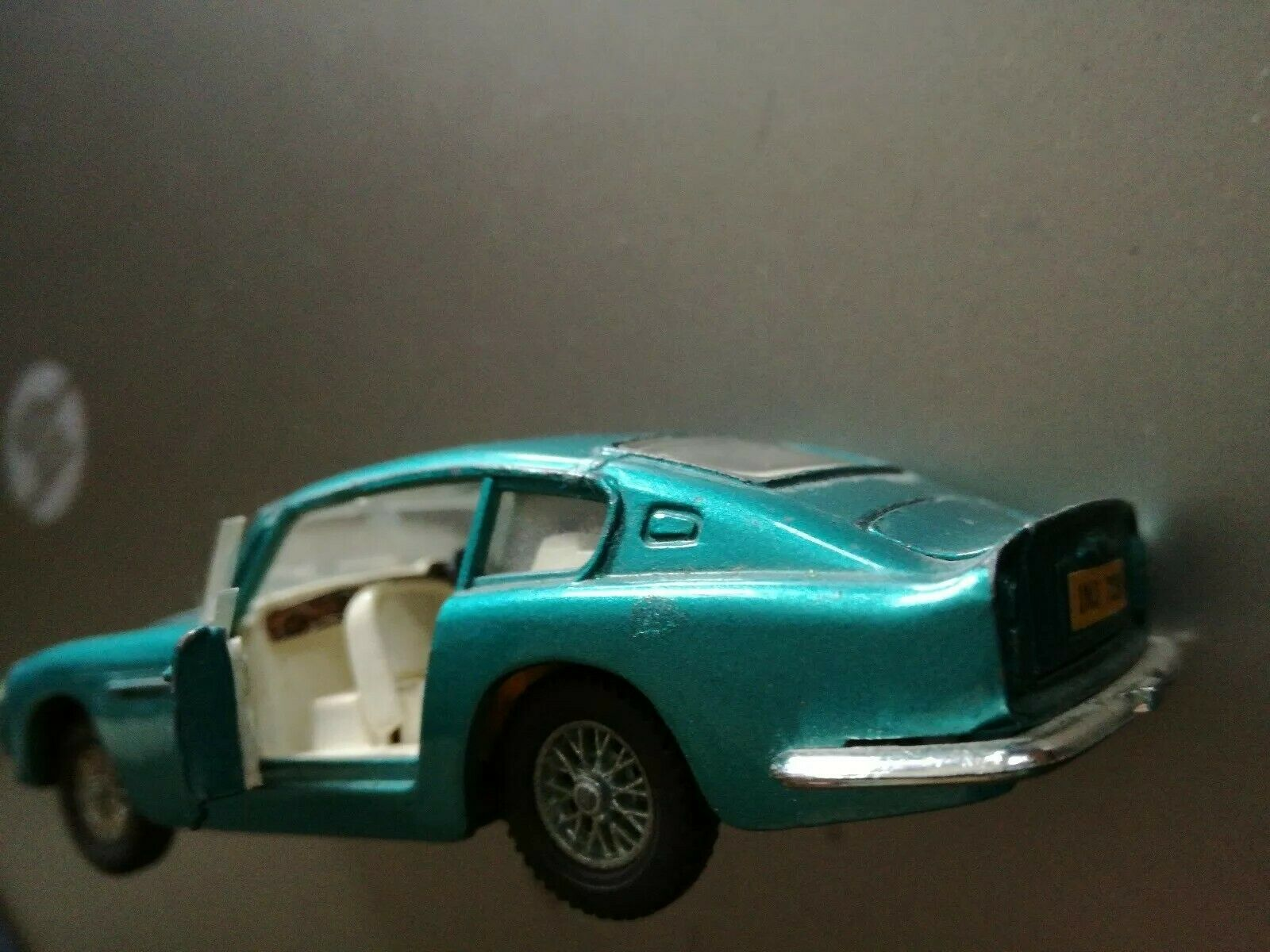 Dinky Toys Aston Martin DB6 Made in England used