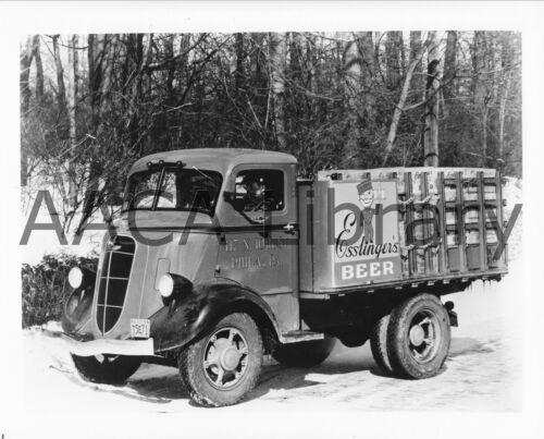 Factory Photo 1936 Studebaker 2M201 Stake Truck Esslinger/'s Beer Ref. #77919