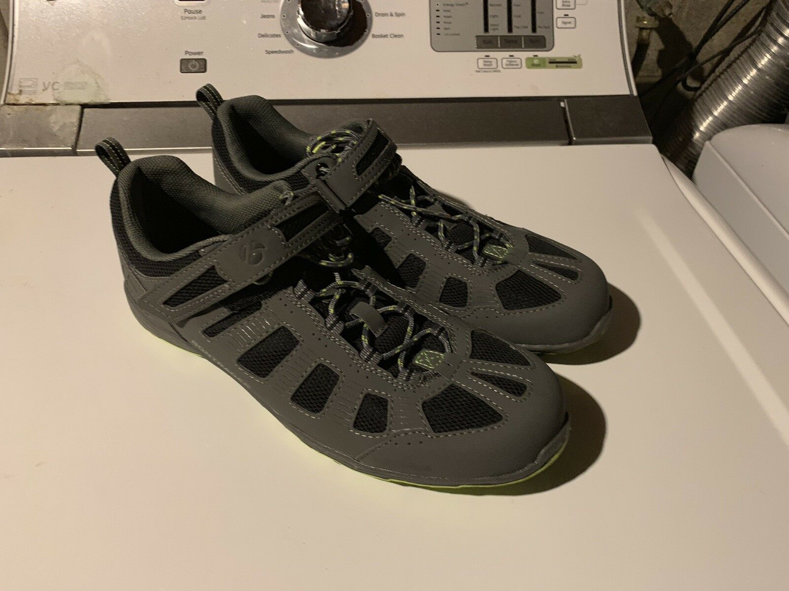 Bontrager cycling shoes And Wellgo Spd Pedals