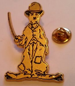 CHARLIE-CHAPLIN-CHARLOT-THE-TRAMP-THE-KID-large-vintage-pin-badge