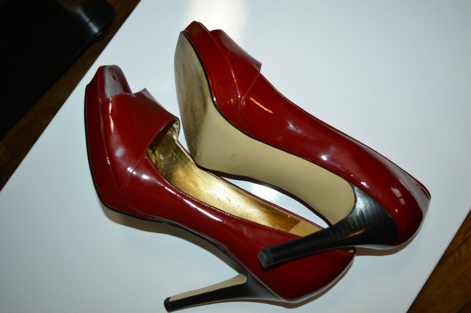Tolle Lack Heels von GUESS by Marciano 39