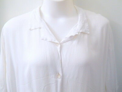 MIB White Blouse Size 4X Clear Sparkly Buttons Front 100% Rayon Short Sleeves