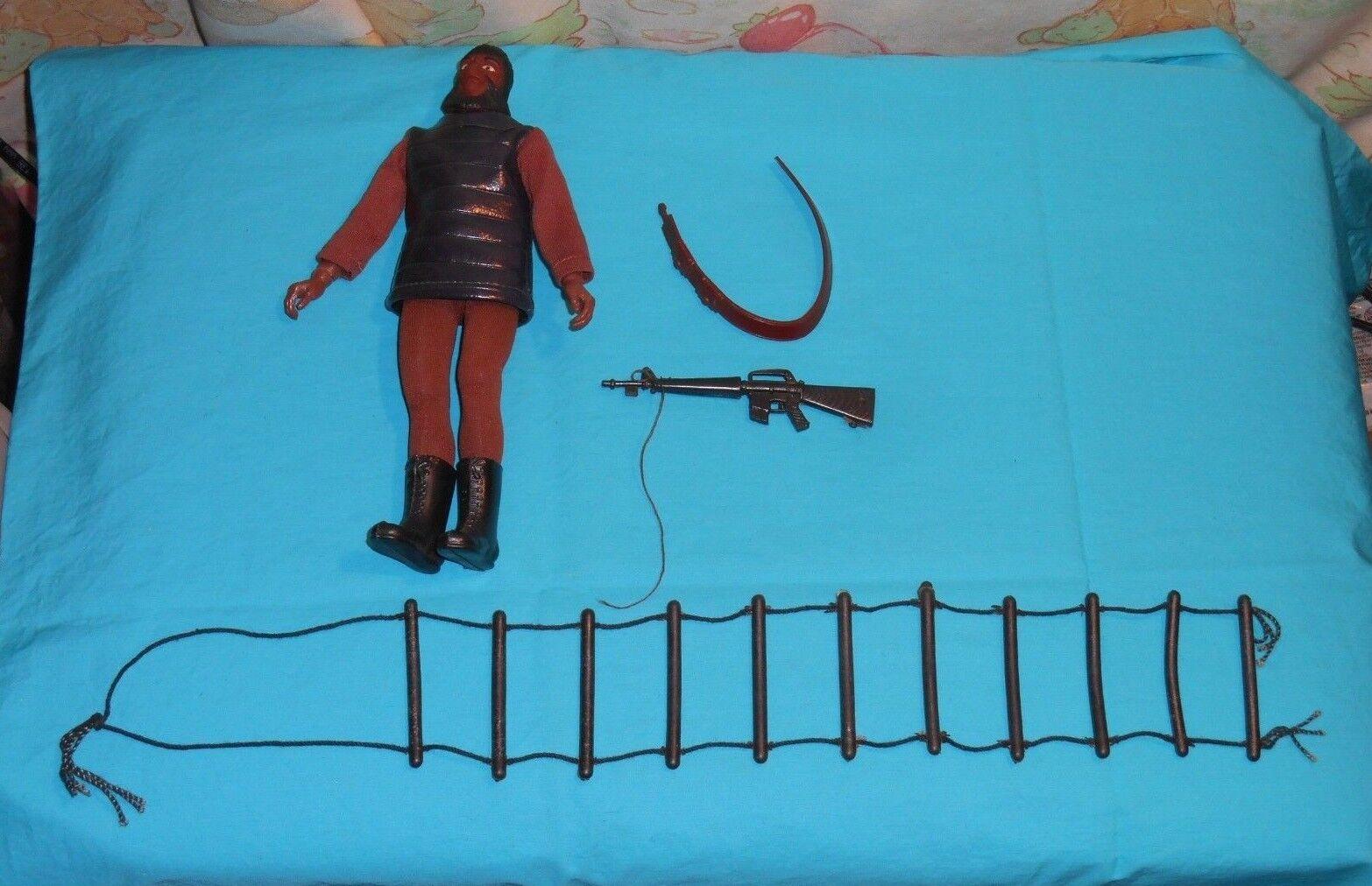 Vintage Mego Planet of the Apes pota SOLDIER APE  7 lizard tunic gun bandolier +