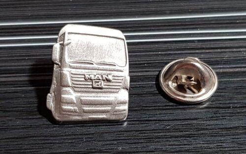 MAN Pin LKW Zugmaschine silbern Maße 16x20mm
