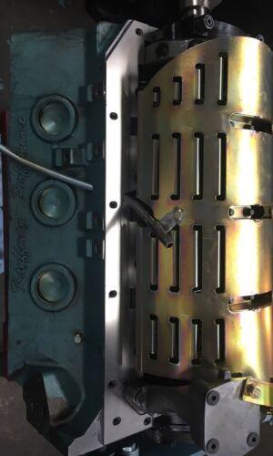CS01K  MR1 KRE PONTIAC V8 CRANKSHAFT  SCRAPER