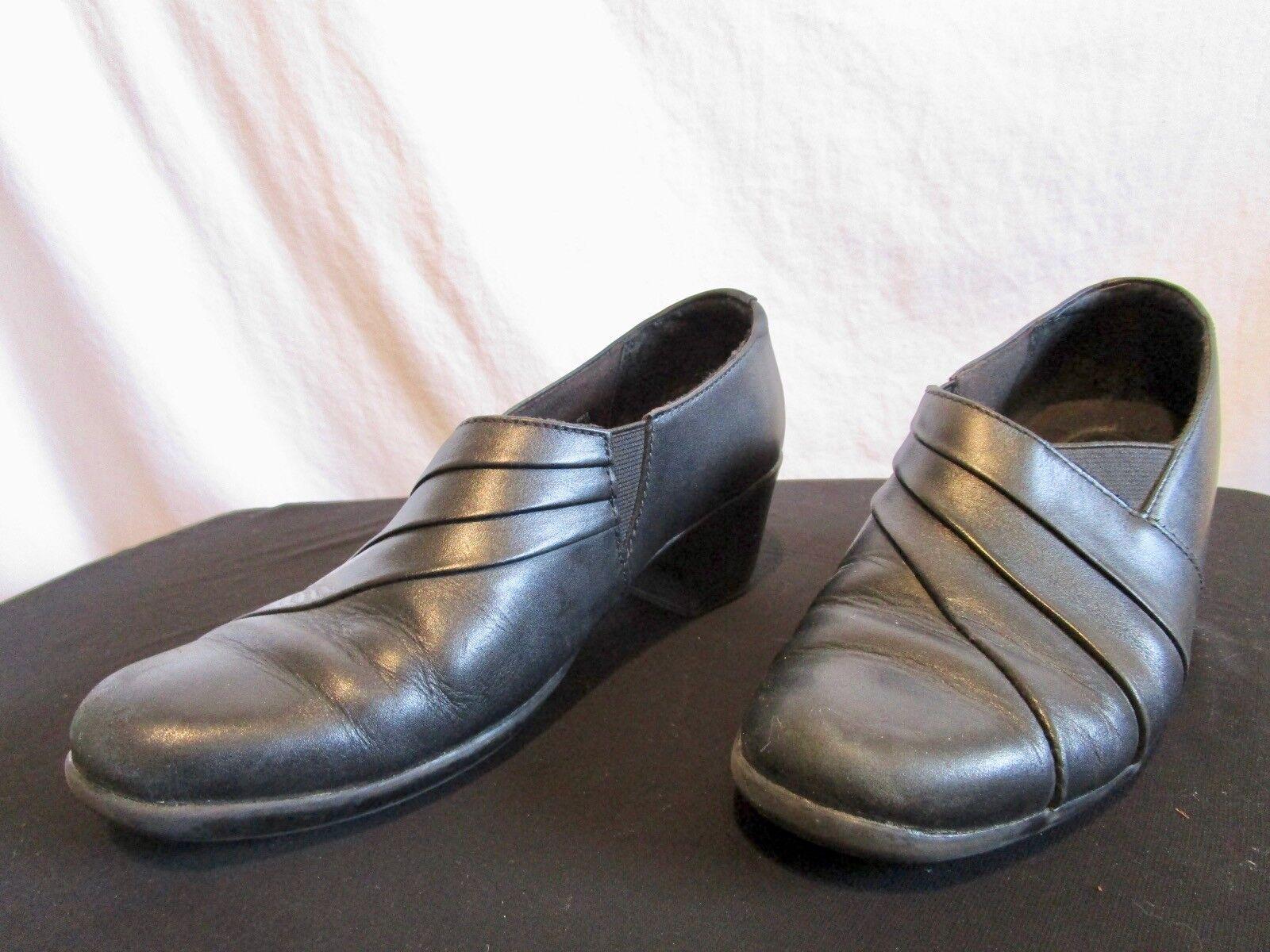 Clarks Bendables Black Leather Medium Heel Loafer Bootie Shoes Sz 7 M