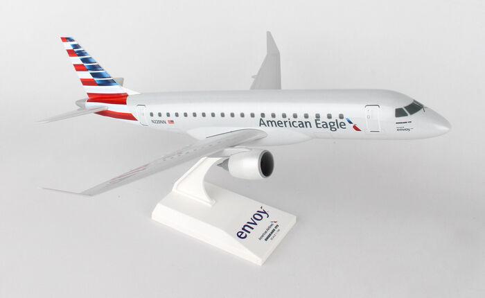 Skymarks American Airlines  Embraer E175 1 100 Envoy SKR902