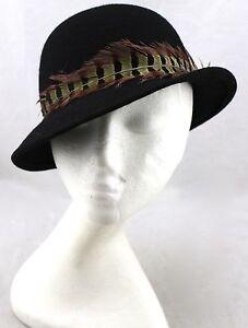 EVELYN VARON Vintage Black Wool Felt Feather Splendide Cloche Bucket ... 5d23c2c0b5b