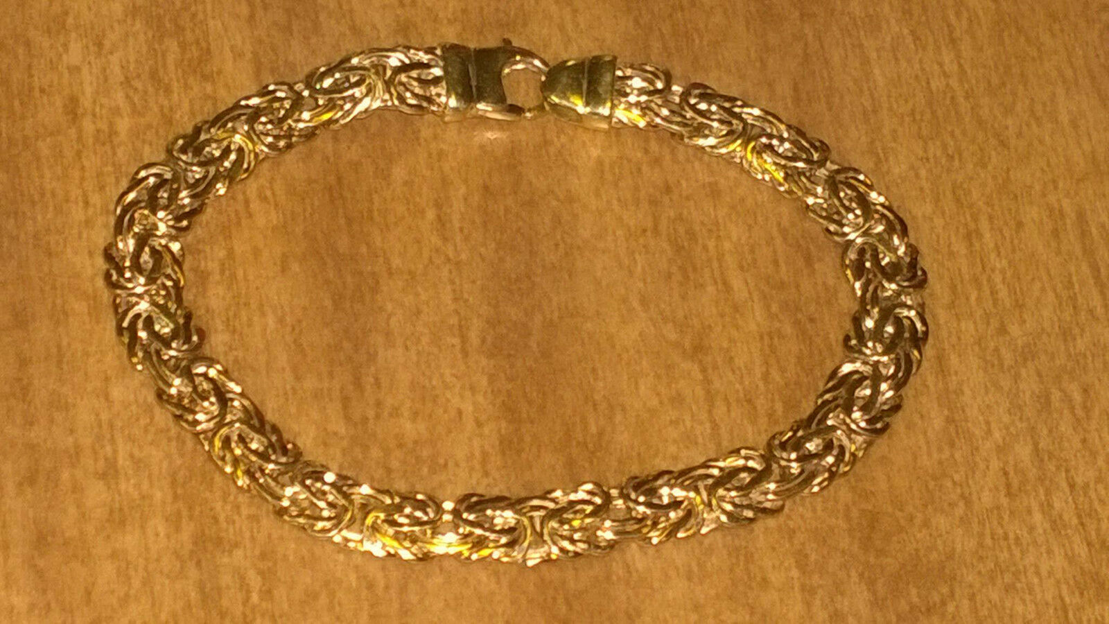 Benzatine Bracelet 14k yellow gold 7.25  Long  7.2 grams Marked RCI 14K