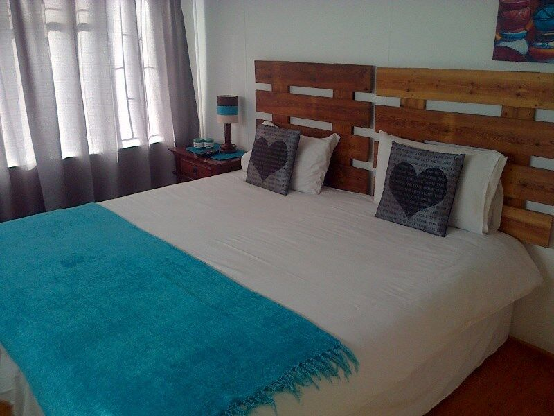 PTA GUESTHOUSE (Villieria) OFFERS FURNISHED ROOMS /MONTH TO MONTH (no contracts)