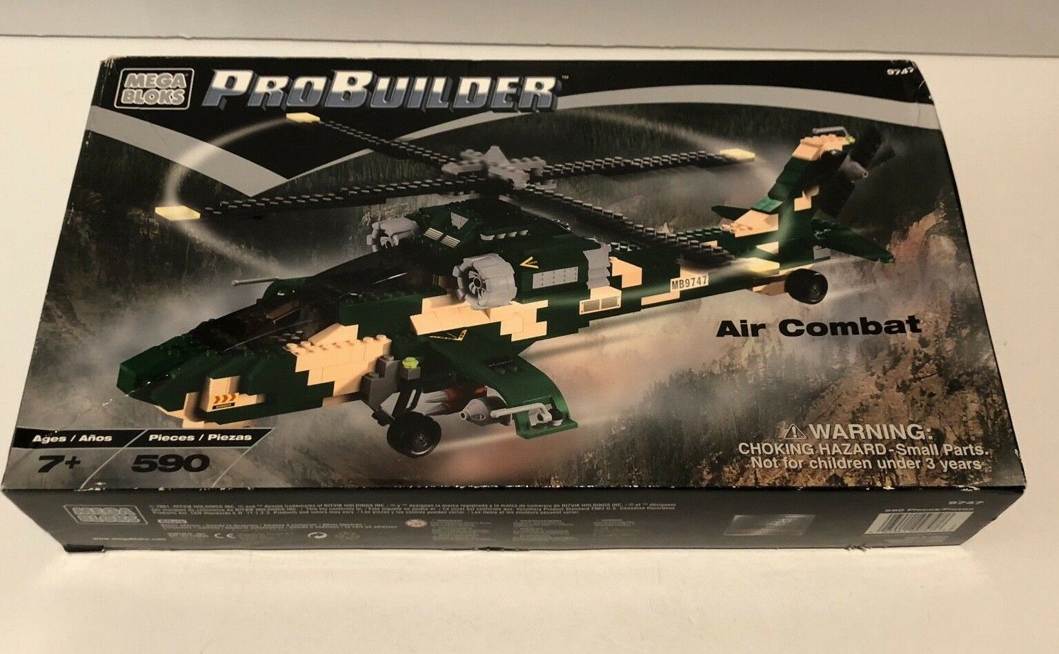 Mega Bloks Pro Builder Air Combat, 9747, 590 Pieces, Helicopter NEW SEALED