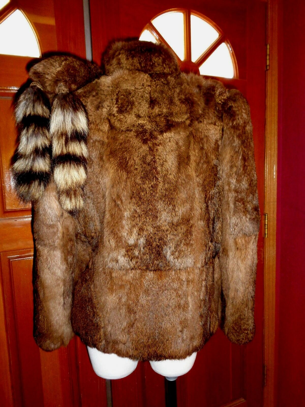 UNBRANDED vintage brown rabbit fur w attached attached attached scarf & racoon tails SMALL xlnt. d49b25